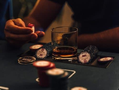 Hoe poker spelen je slimmer maakt
