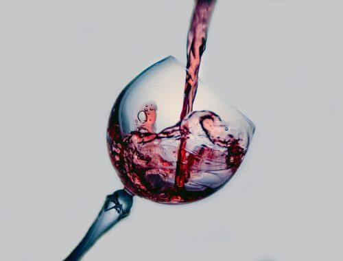 In ruimte gerijpte fles Franse Pétrus wijn geveild 830 duizend euro