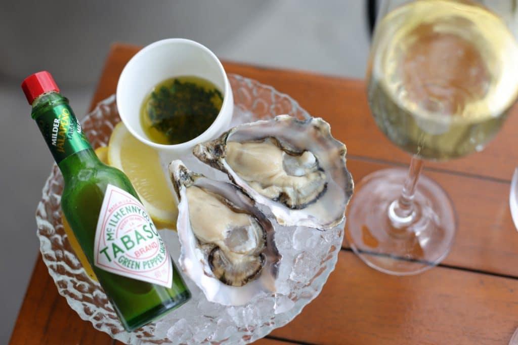 MR PORTER amsterdam oesters