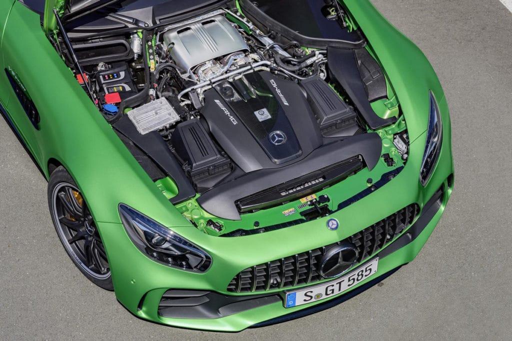 Mercedes-Benz-AMG-GT-R-3