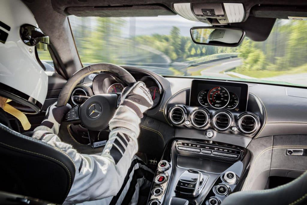 Mercedes-Benz-AMG-GT-R-5