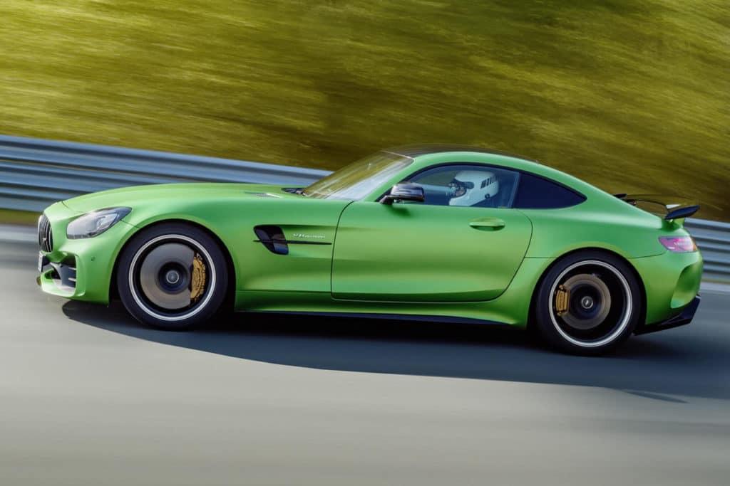 Mercedes-Benz-AMG-GT-R-7