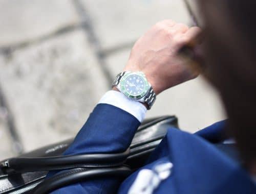 Om welke pols horloge dragen etiquette