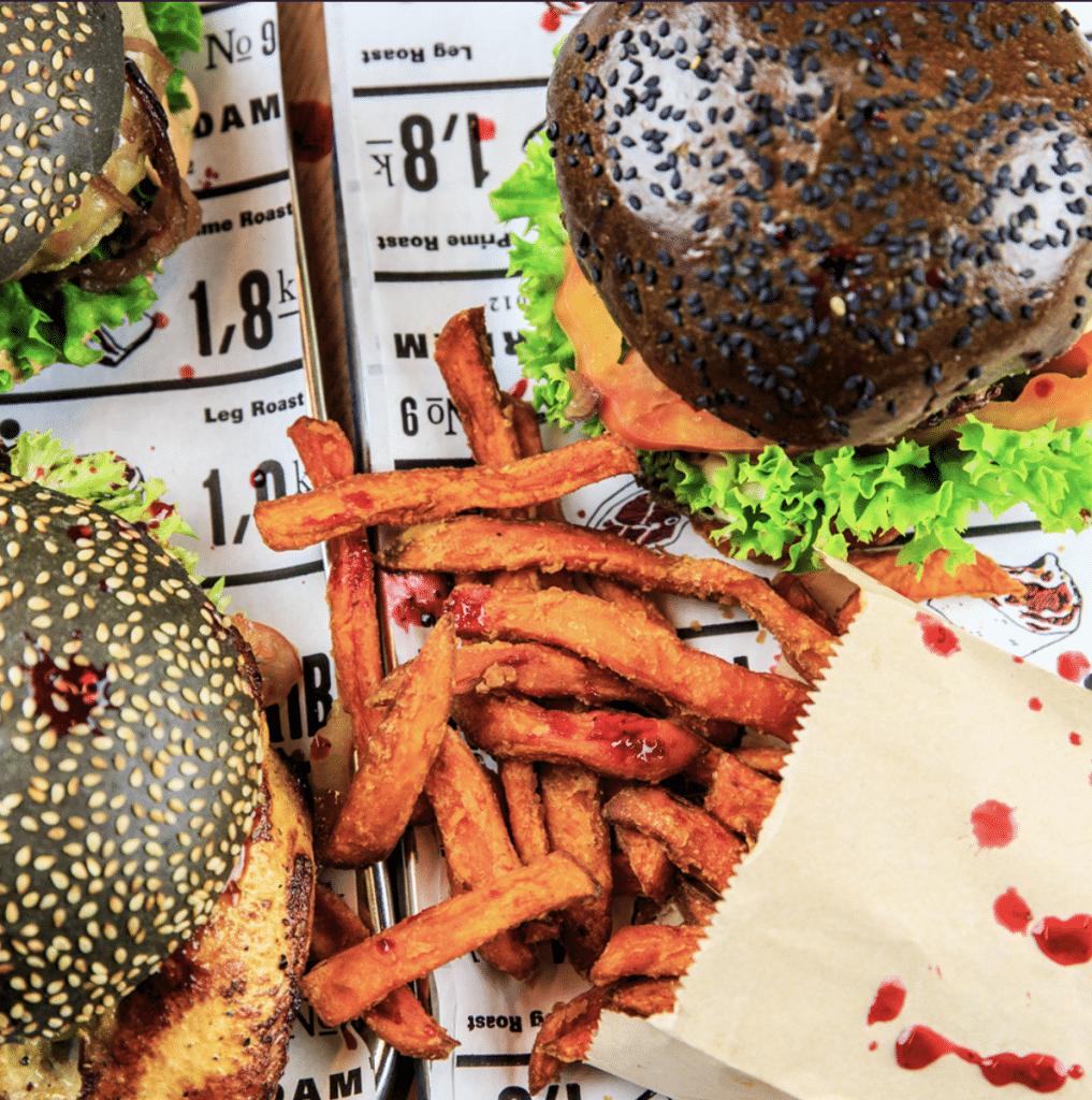 halloween specials - THE BUTCHER – Delicious burgers op een zwart broodje