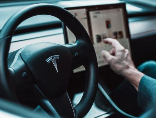 Tesla lanceert binnenkort abonnement voor volledig autonoom rijden