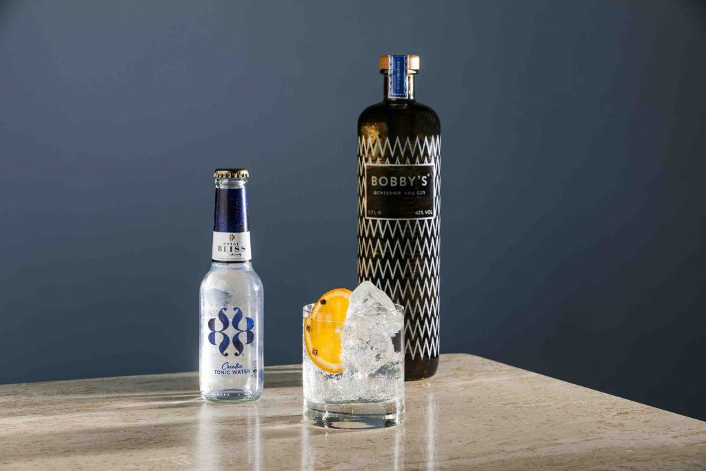 Vijf cocktails & mocktails trends zomer 2021  Coca-Cola signature mixers royal bliss