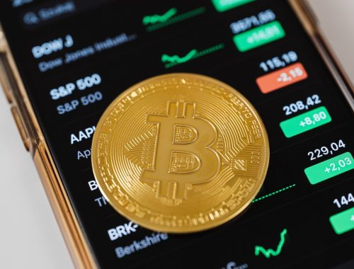 Wat betekent hodl? Wat is blockchain? Wat zijn NFT's? Leer deze crypto termen