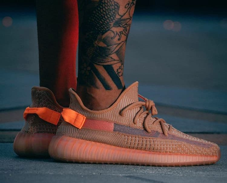 350 Foot Foto's V2 Yeezy Adidas Mannenstyle On Boost Clay