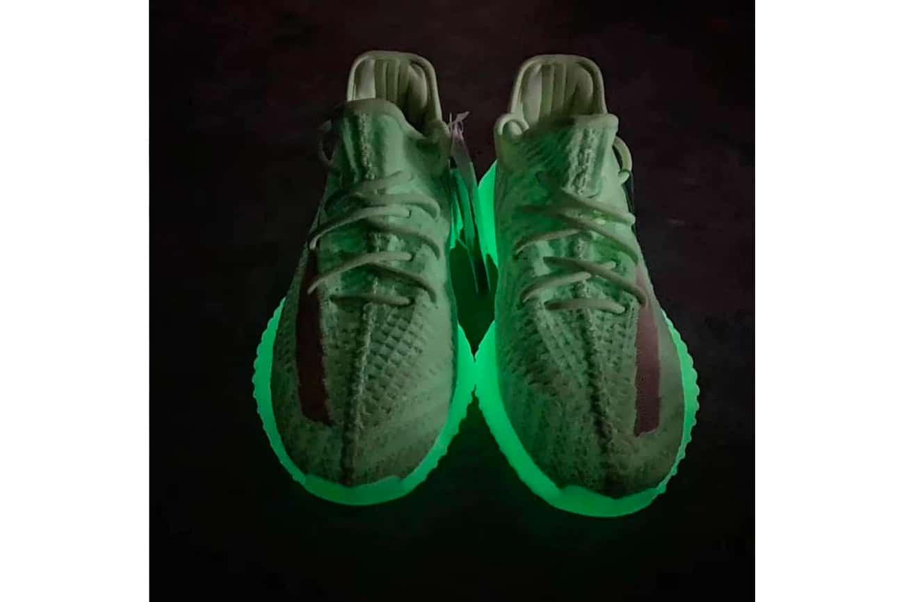 adidas YEEZY BOOST 350 v2 Glow-in-the-Dark
