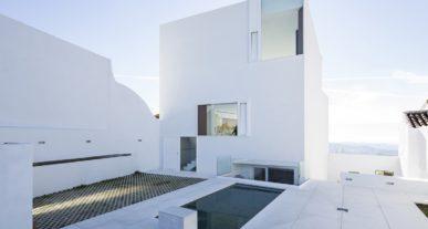 Minimalistische architectuur wonen spanje interieur