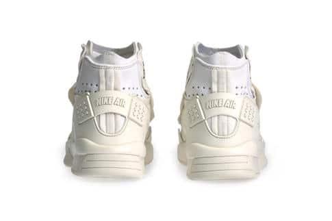 0124f1caf16c Gerelateerde Artikelen. COMME DES GARÇONS x Nike ...