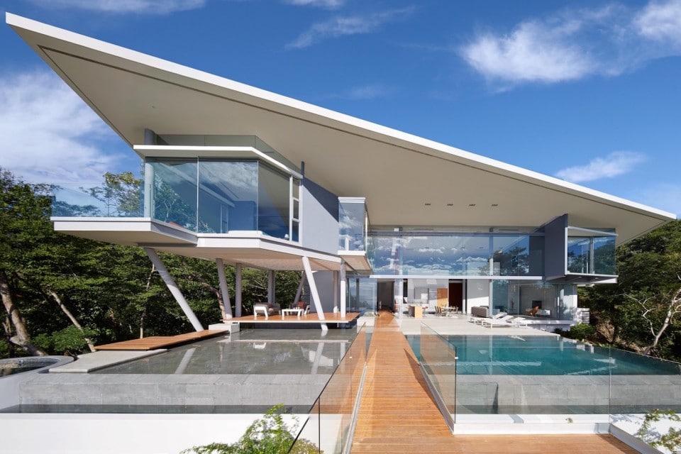 Deze moderne villa is het ultieme vakantiehuis mannenstyle