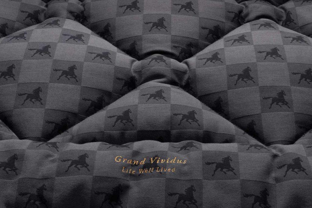 Hästens Grand Vividus bed