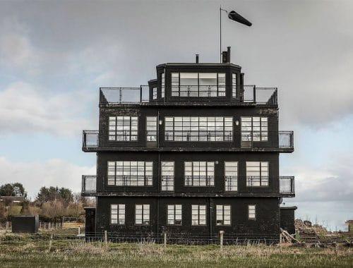 airbnb luchtbeheertoren schotland - HMS Owl Air Control Tower by NC500