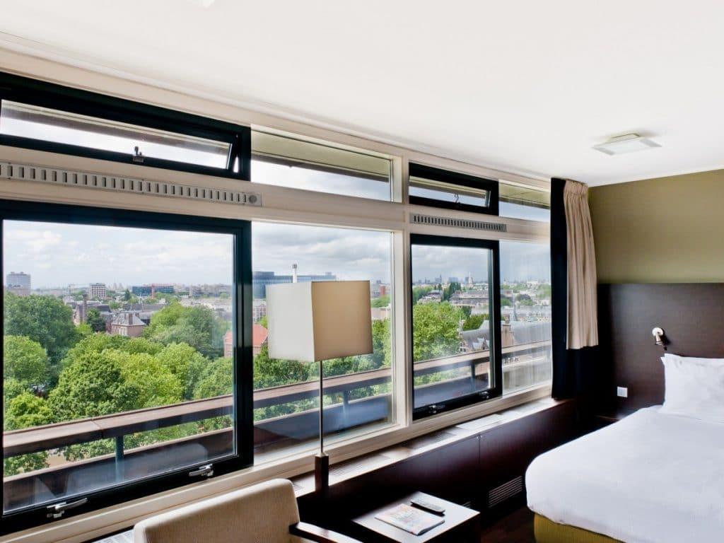 hotel de tropen arrangement staycation amsterdam diner overnachting