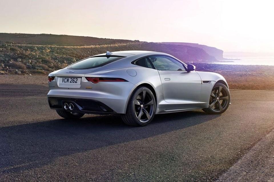 Jaguar F-Type 2018 dynamic