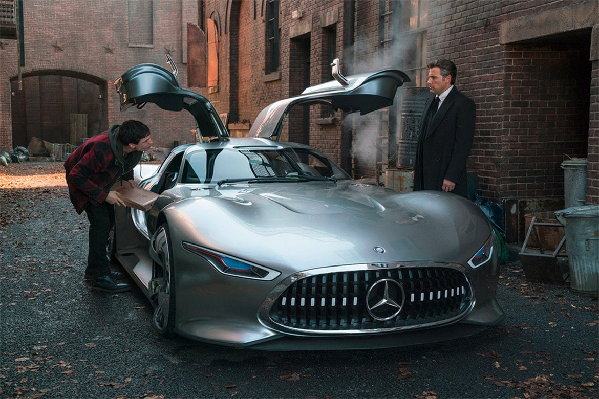 Justice League - Mercedes-Benz AMG Vision Gran Turismo