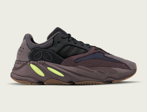 YEEZY BOOST 700 Wave Runner Mauve