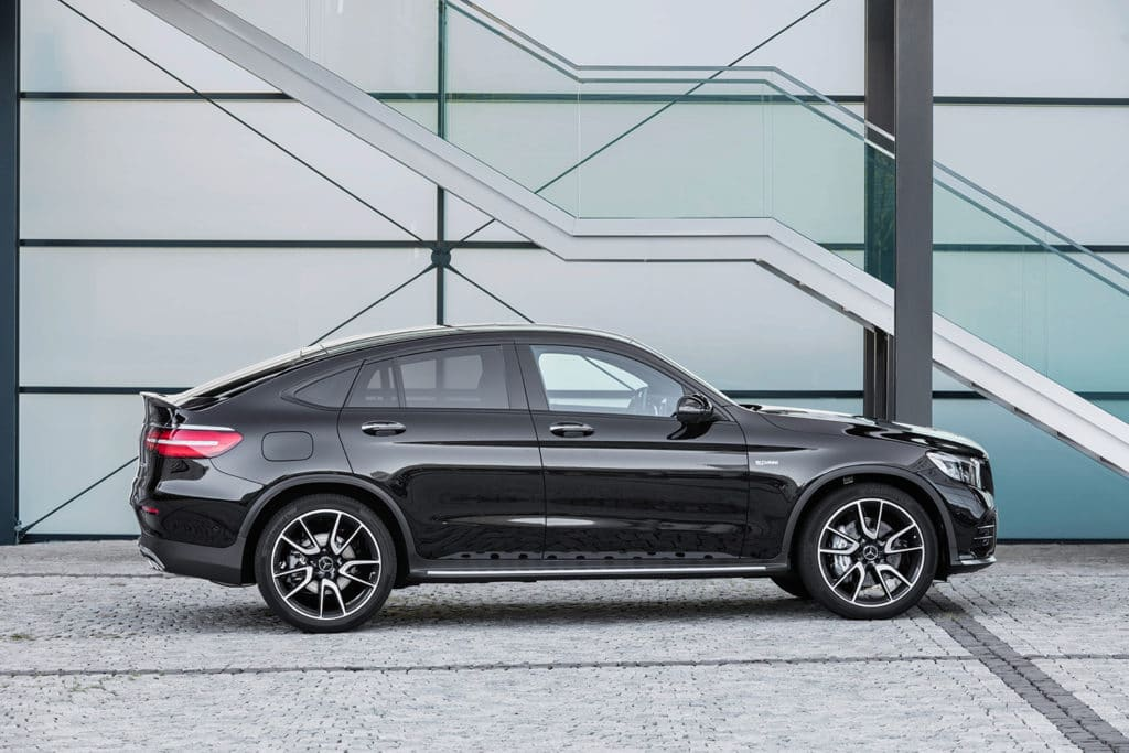 mercedes-benz-amg-glc43-suv-coupe-1