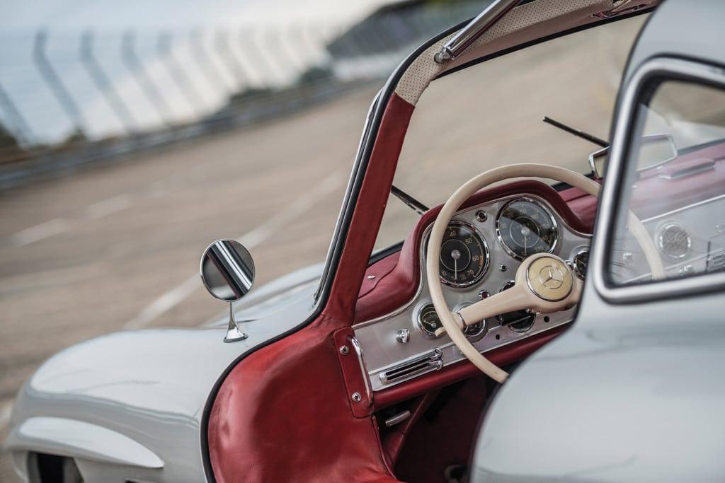 mercedes-benz-w198-gullwing-racer-veiling-klassieker-auto-mannenstyle-5