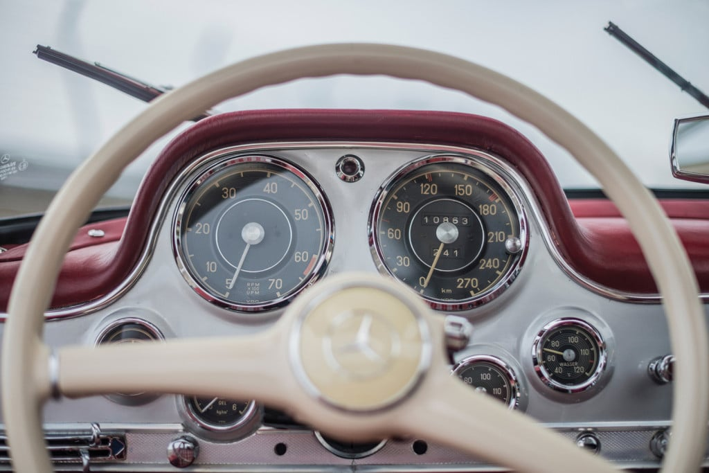 mercedes-benz-w198-gullwing-racer-veiling-klassieker-auto-mannenstyle-6