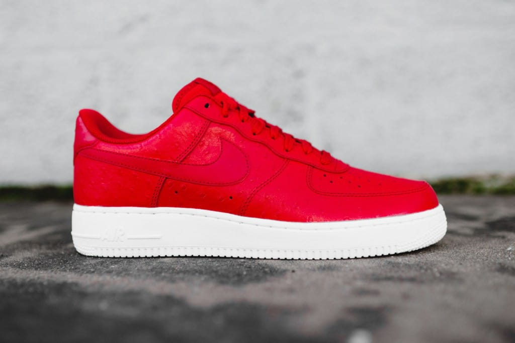 nike air force 1 rood