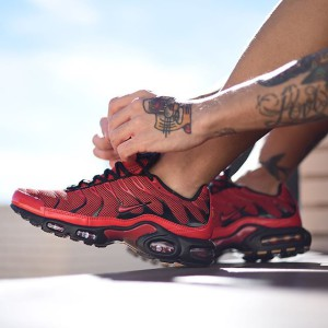 nike-air-max-plus-tn-love-hate-sneaker