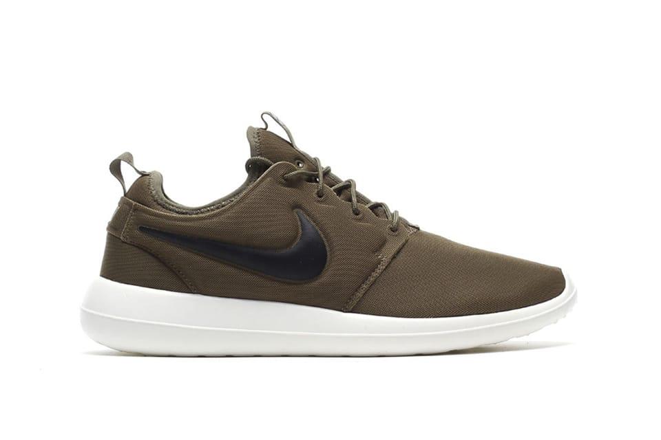 nike-roshe2-sneakers-1
