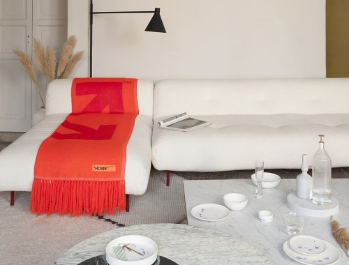 "Off-White ""HOME"" interieur accessoires"