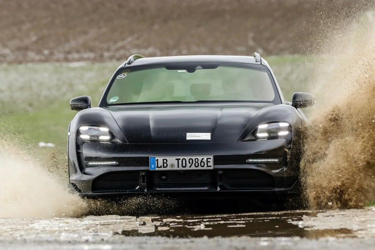 Porsche Taycan Cross Turismo video