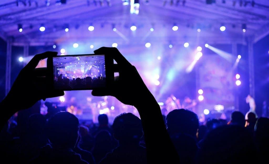 smartphone festivalproof tips