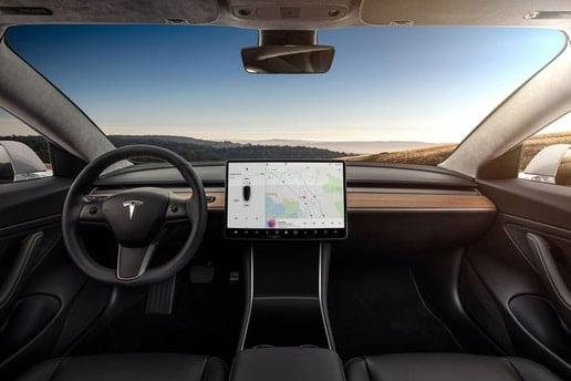Tesla Model 3 touchscreen video