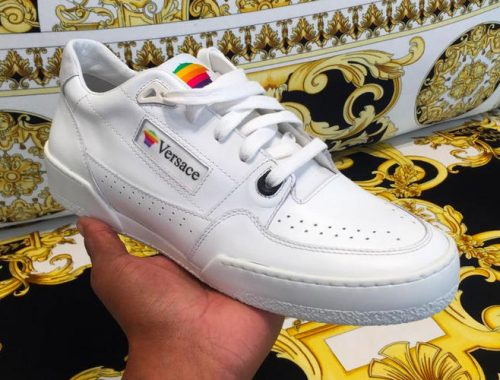 Versace Apple Computers geïnspireerde sneaker